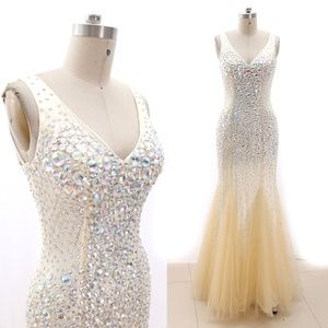 Dresses & Skirts - Sheath Crystal Prom Pageant Gown Evening Dresses